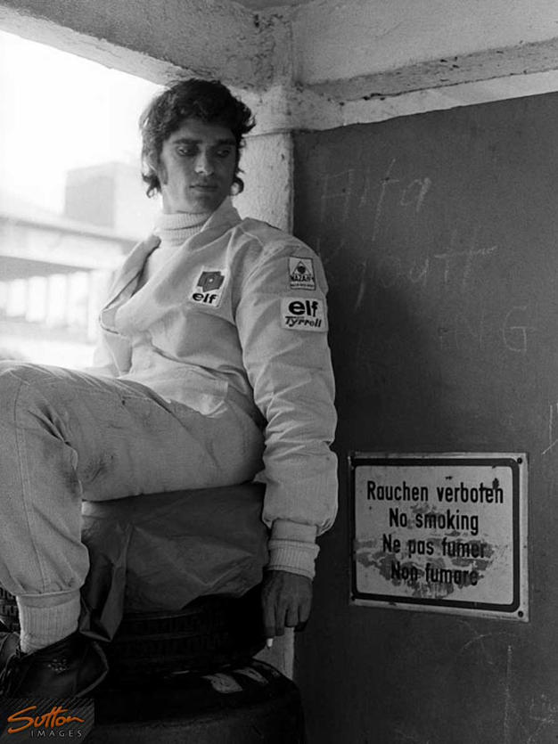 Francois-Cevert-smoking-4drivers.gr