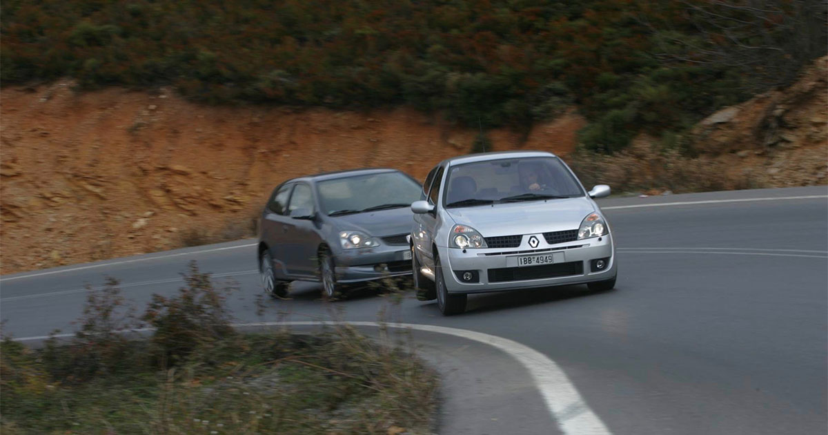 Renault Clio RS vs Type R