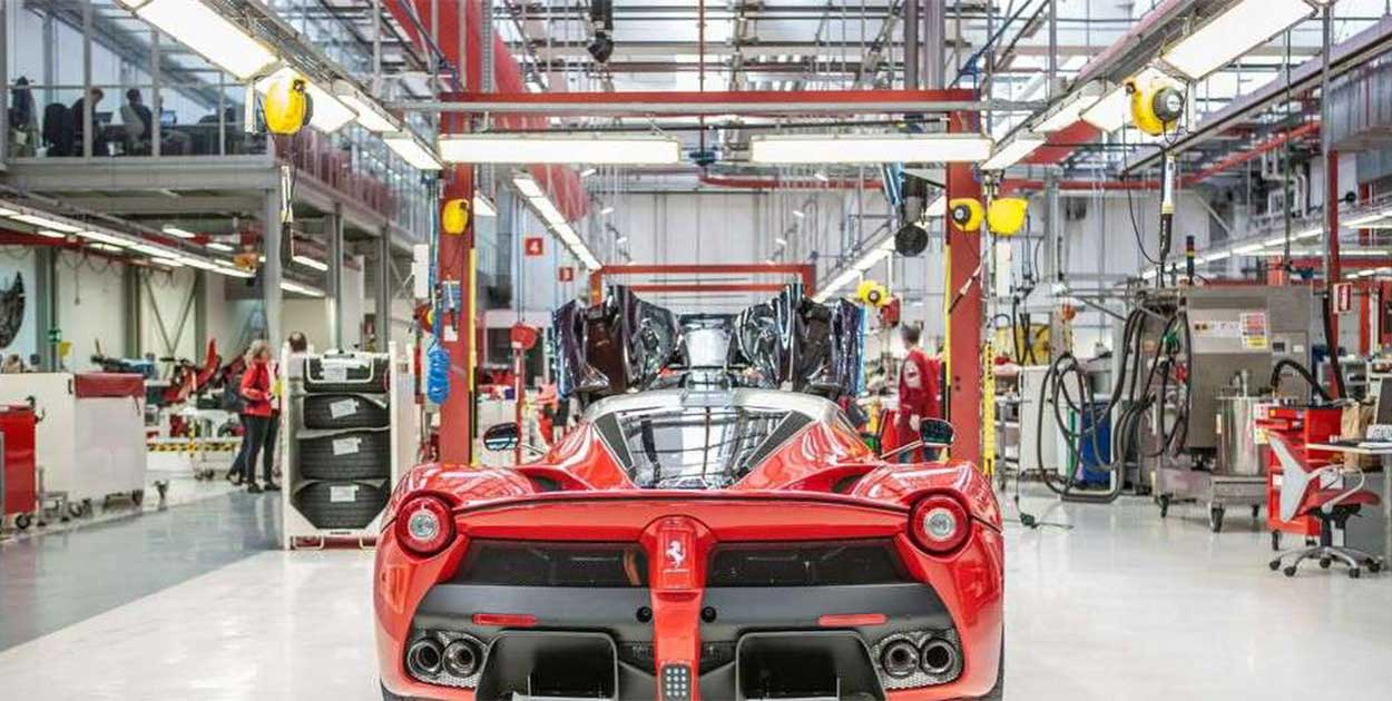 LaFerrari factory