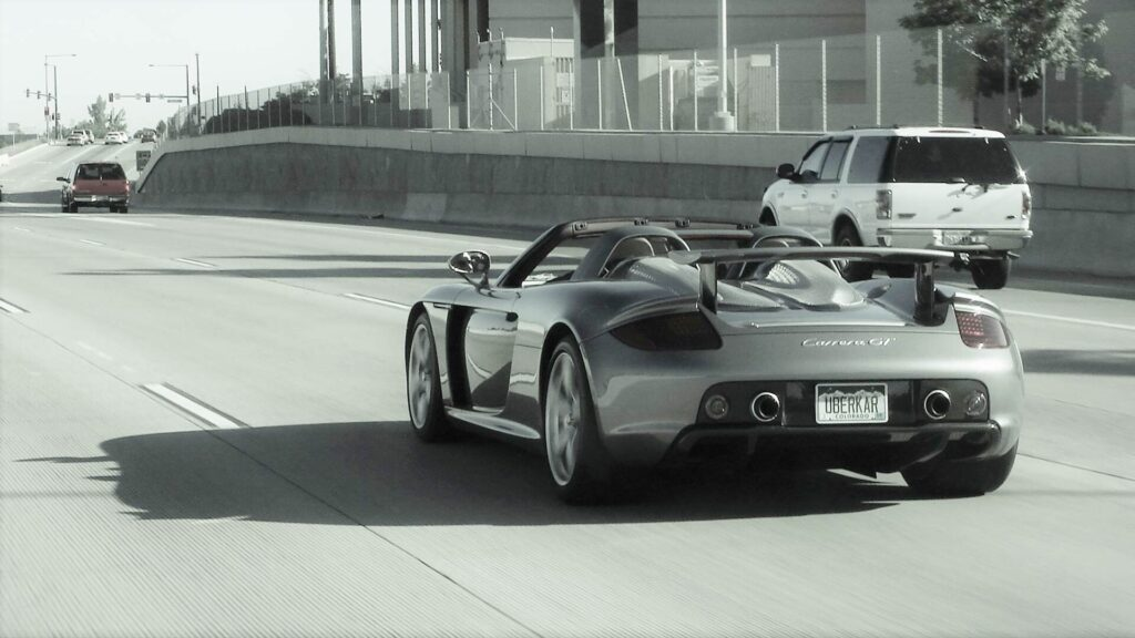 Porsche Carrera GT Interstate driving